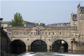 Pulteney Bridge Bath.jpg