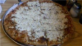 Quad City-style pizza