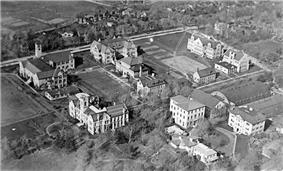 Aerial photo of Queen's University, 1919