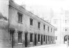 Queens' Lane, Cambridge Almshouses 1911.jpg