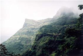 Raigad fort long view.jpeg