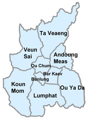 Map depicting the boundaries of Ratanakiri's nine districts. Veun Sai is in the northwest. Ta Vaeang is in the northeast. Andoung Meas is in the east. Ou Ya Dav is in the southeast. Lumphat is in the south. Koun Mom is in the southeast. In the center are three small districts: Ou Chum in the center north, Banlung in the center southwest, and Bar Kaev in the center southeast.