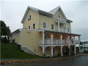 Rhinecliff Hotel