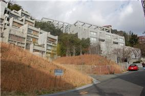 Rokko Housing Tadao Ando.jpg