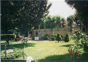 Rosicrucian Park statue distance.jpg