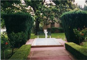 Rosicrucian Park walkway.jpg