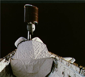 STS-5 Anik deploy.png