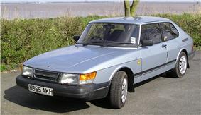 Saab 900, the company's most iconic model