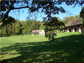 Saint-Nom-la-Bretèche Golf, entraînement au swing.JPG