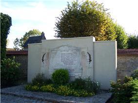 Saint-Nom-la-Bretèche Monument aux morts.JPG