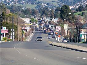 San Pablo Dam Road looking eastward through El Sobrante.