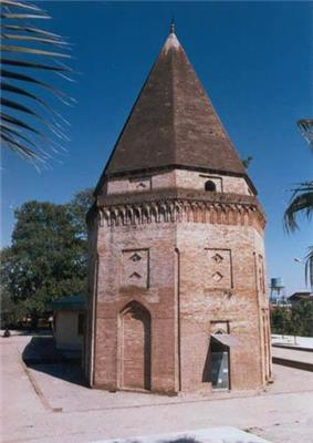 Sari tomb of abbas01.jpg