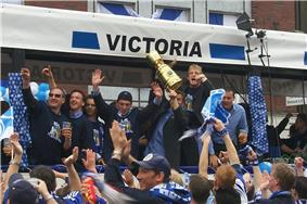 Schalker Schalke 04 celebrate winning the DFB-Pokal