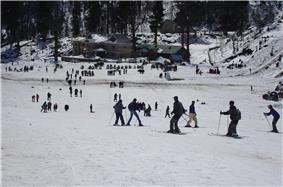 Skiing manali.jpg