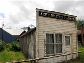 Jeff. Smiths Parlor in 2009