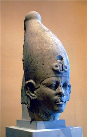 Head of a statue, thought to represent Sekhemre Khutawy Sobekhotep, although other attributions have been proposed