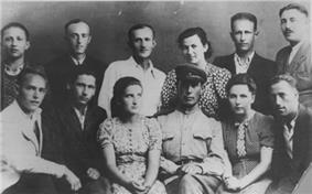 Portrait of Sobibor uprising survivors taken in 1944
