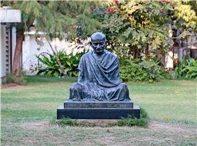 Statue of Gandhi at Sabarmati Ashram.jpg