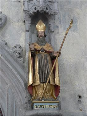 Statue saint Austremoine.jpg