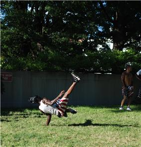 Street Acrobats in DC - 2013-06-07 - 07.JPG