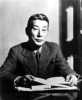A photographic portrait of Chiune Sugihara.