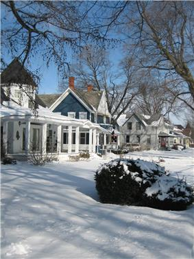 Snow street scene in the Sycamore Historic District in Illinois