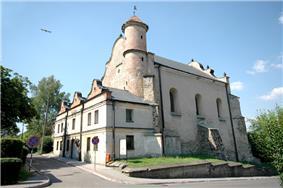 Synagoga lesko.jpg