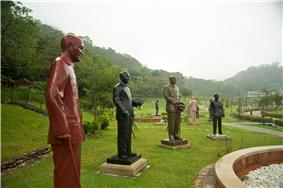 Taiwan 2009 Garden of the Generalissimos at CiHu Mausoleom of Chiang Kai Shek in TaoYuan County FRD 7879.jpg