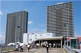 JR Takatsuki Station and Actamore