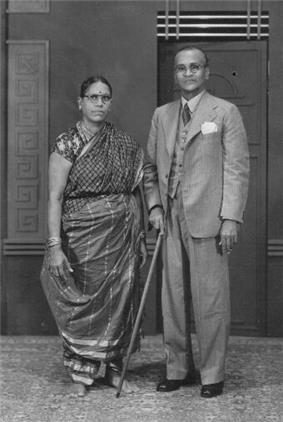 Tamil brahmin couple circa 1945.jpg