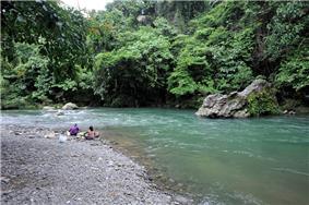 Tangkahan buluh river 09N8978.jpg