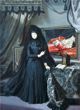 A widow draped in mourning points to a portrait of her husband's remains, which are embellished with the regalia of his realm.