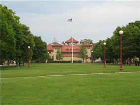 The central quadrangle of Queen's College.