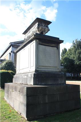 The tomb of Princess Sophia, Kensal Green Cemetery.JPG