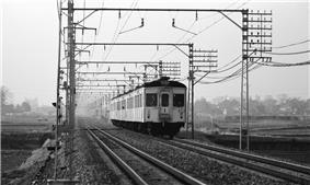 Tobu 7300 Isesaki Line 1977.jpg