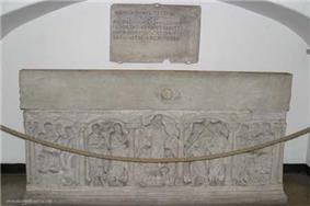 A photo of the combined tomb of Pope Nicholas III
