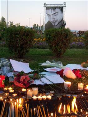 Tose Proeski commemoration Skopje Macedonia 7.jpg