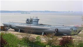 Type VIIC/41 U-995