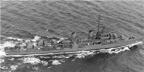 USS Melvin (DD-680) underway, ca. 1943