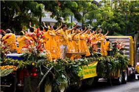 US Army 51982 Aloha spirit on display at floral parade.jpg