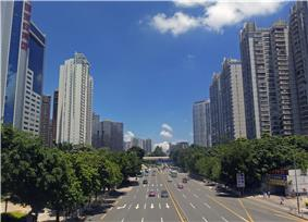View east along Sungang East Road from Renmin North Road, Shenzhen, China.jpg
