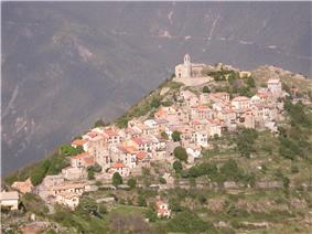 A general view of the village of Ilonse