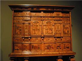 WLA vanda Cabinet on stand.jpg