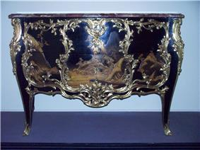 WLA vanda French Commode in Japanese lacquer.jpg