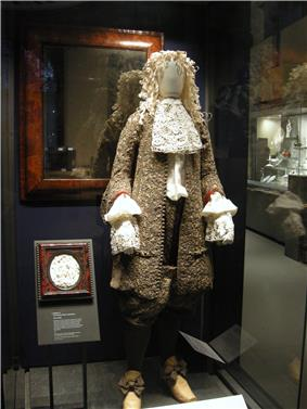 WLA vanda Wedding suit worn by James II.jpg