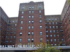 Walnut Park Plaza Hotel