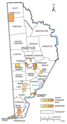 Political map of Wayne County, Pennsylvania, with townships, boroughs, and census-designated places labeled. Townships are colored white and boroughs and CDPs are colored various shades of orange.