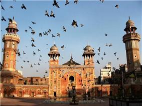 Wazir Khan Masjid 2007.jpg