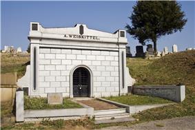 Weiskittel-Roehle Burial Vault
