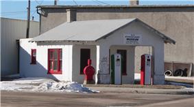 Weyl Service Station
